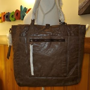 FRYE & CO NWT BROWN RUBIE WASHED LEATHER  TOTE